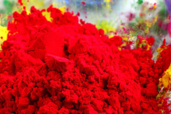 赤色の顔料の粉